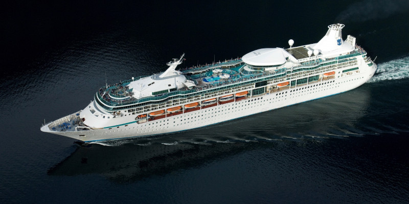 1548637322.2228_475_royal_caribbean_international_vision_of_the_seas_exterior_at_sea.jpg