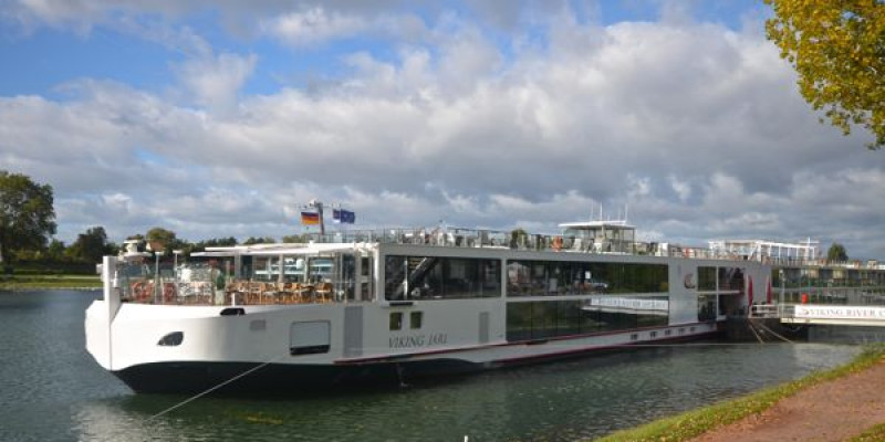 1548638444.2347_655_Viking_River_Cruises_Viking_Jarl_Exterior.jpg